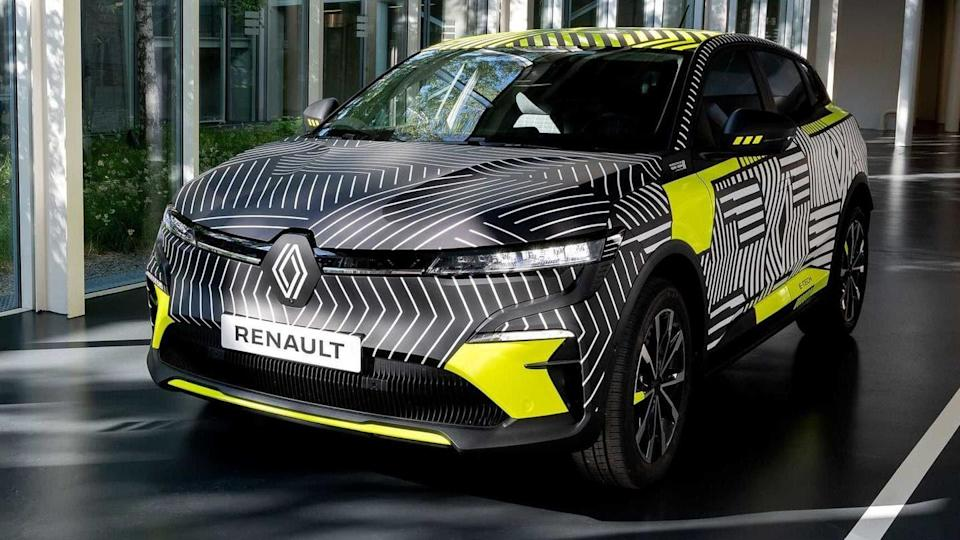 Renault Megane E-TECH Electric previewed in teaser images