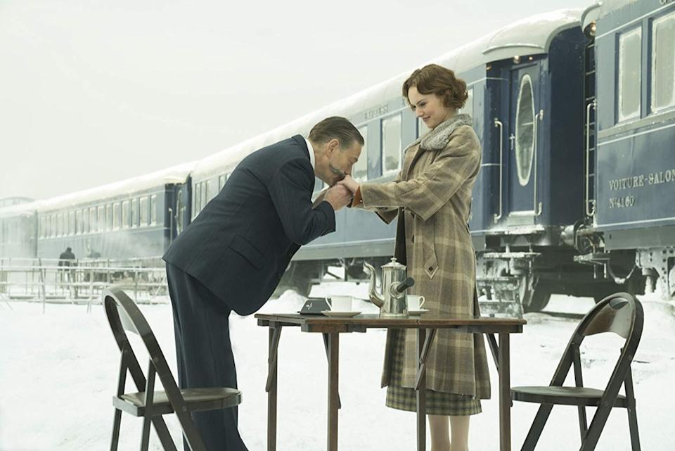 Kenneth Branagh and Daisy Ridley in Murder on the Orient Express (2017)