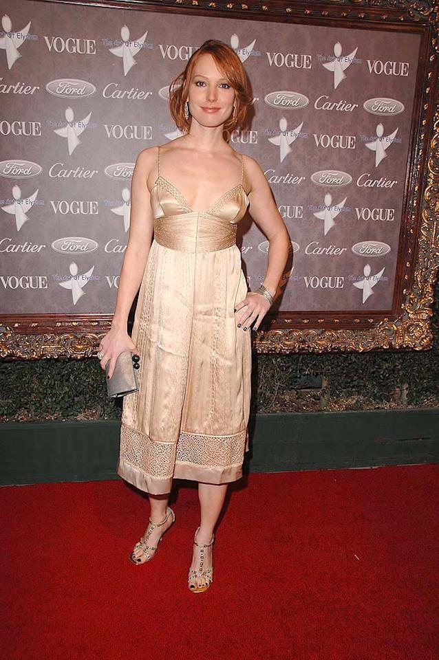 """Actress Alicia Witt (""""Law and Order: Criminal intent"""") washes herself out in this disaster of an outfit. Steve Granitz/<a href=""""http://www.wireimage.com"""" target=""""new"""">WireImage.com</a> - January 12, 2008"""