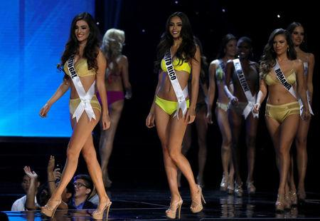 Miss Universe candidates parade in their swim suits during a preliminary competition in Pasay, Metro Manila, Philippines January 26, 2017. REUTERS/Erik De Castro