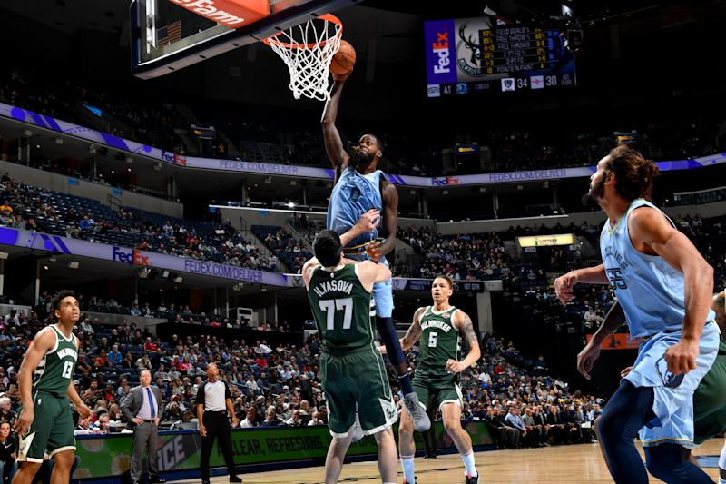 Bucks use 19-0, 3rd quarter run to knock off Grizzlies