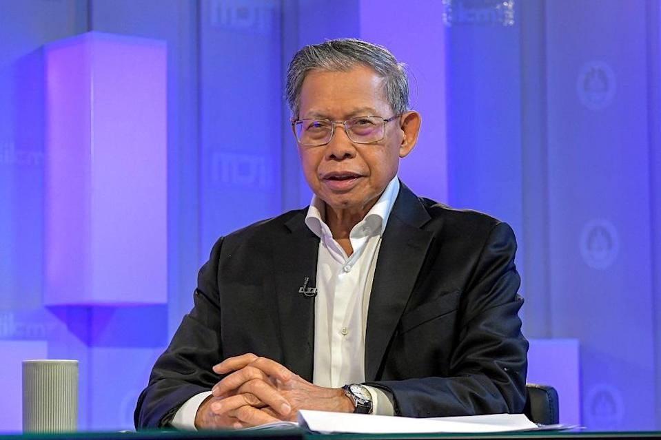 Minister in the Prime Minister's Department (Economic Affairs) Datuk Seri Mustapa Mohamed said that the government also practises an open policy in accepting criticism from any party, to ensure the country gets back on track, even in the current pandemic period. — Bernama pic