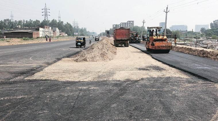 chandigarh road repair, chandigarh road work, chandigarh mc, chandigarh traffic police, chandigarh news, indian express