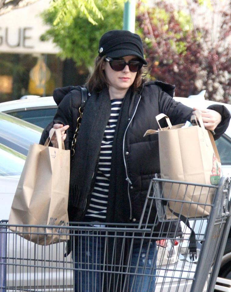 """""""Heathers"""" star Winona Ryder loaded groceries into her car at Bristol Farms in LA. Has too much time passed since her 2001 shoplifting arrest to crack a joke about whether or not she paid for all of her goodies? Yeah, probably so. MVP/<a href=""""http://www.x17online.com"""" target=""""new"""">X17 Online</a> - April 20, 2010"""