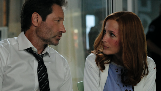 David Duchovny and Gillian Anderson in <em>The X-Files.</em> (Photo: Robert Falconer/Fox)