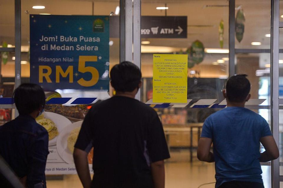 Malls are closed from May 9-11 as part of HIDE requirement during MCO 3.0 at Lotus Setia Alam May 9, 2021. — Picture by Miera Zulyana