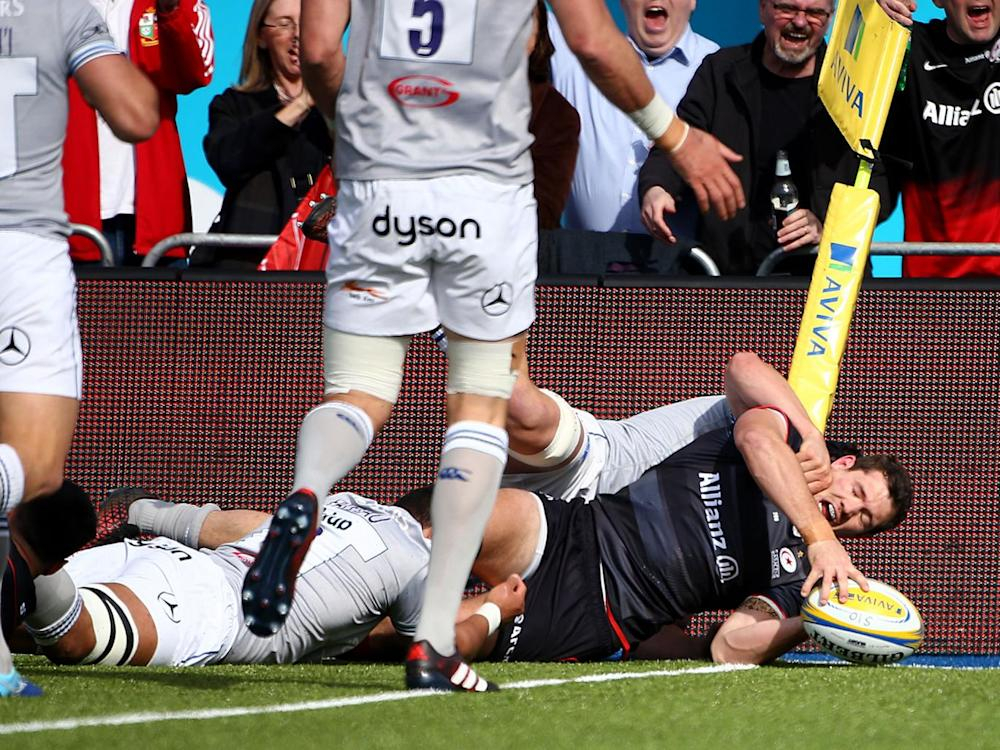 Alex Goode scores Saracens's third try against Bath on Sunday (Getty)