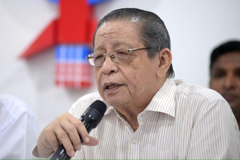 DAP veteran Lim Kit Siang said PKR senator Bob Manolan Mohd's controversial remark that Orang Asli village heads in Cameron Highlands will lose their salaries if they do not vote for the government in the parliamentary constituency's upcoming by-election was indeed wrong, but pointed out that it was unacceptable for them continue being paid by the federal government while still serving as Umno heads. ― Picture by KE Ooi