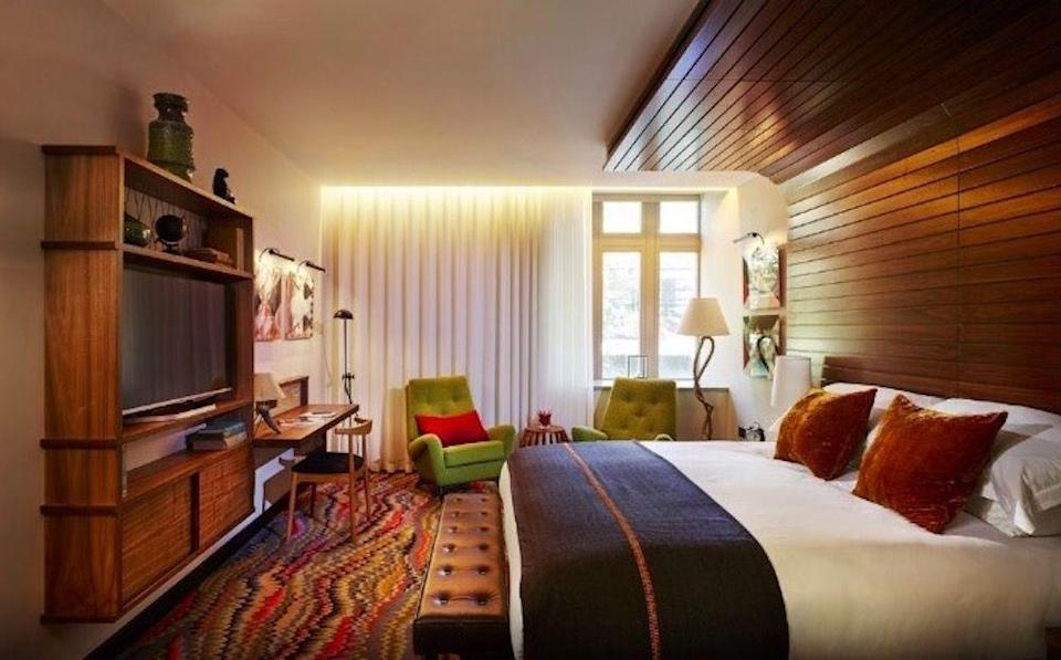 """<p><strong>The Rooms: </strong></p><p>The bedrooms certainly aren't the most spacious in London, with some of the smaller sleeper rooms feeling really quite small, but what they lack in size, they make up for with intrigue. Showcasing artists from the hotel's art programme, each room sports a range of objets d'art that will have you snooping around for a while before you finally get round to unpacking your belongings. </p><p><a class=""""link rapid-noclick-resp"""" href=""""https://www.thebookingbutton.co.uk/properties/hospitalclubdirect?check_in_date=09-09-2018&check_out_date=10-09-2018&number_adults=2"""" rel=""""nofollow noopener"""" target=""""_blank"""" data-ylk=""""slk:BOOK NOW - Rooms from £166.50 for non-members"""">BOOK NOW - Rooms from £166.50 for non-members</a><br></p>"""