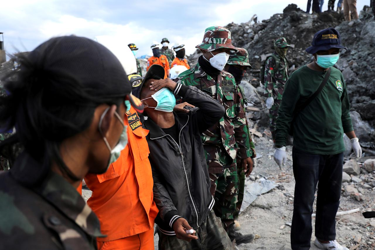 Indonesia natural disaster : Search and rescue effort called off