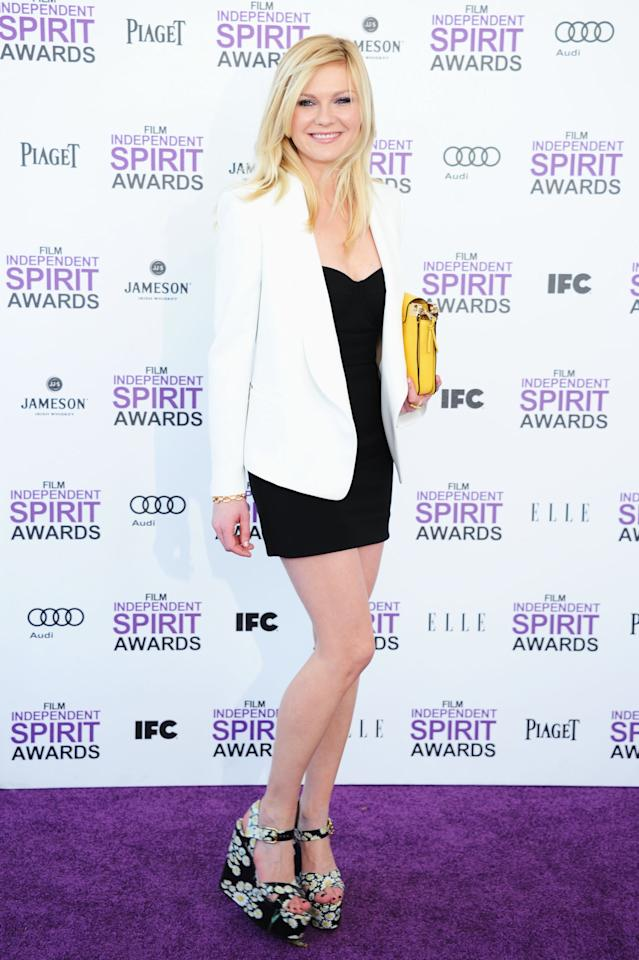 SANTA MONICA, CA - FEBRUARY 25:  Actress Kirsten Dunst arrives at the 2012 Film Independent Spirit Awards on February 25, 2012 in Santa Monica, California.  (Photo by Alberto E. Rodriguez/Getty Images)