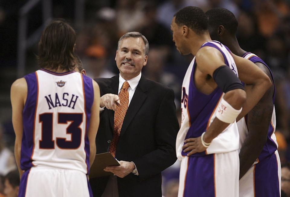 Mike D'Antoni coached Steve Nash on the Phoenix Suns in the mid-2000s. (Jeff Gross/Getty Images)