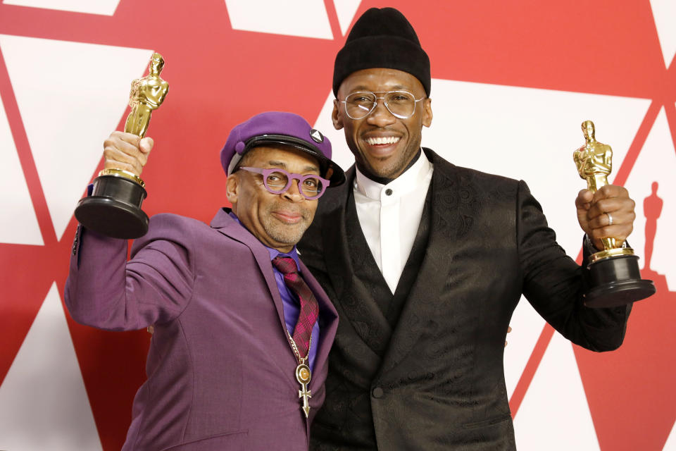 Spike Lee (Best Adapted Screenplay for 'BlacKkKlansman') and Mahershala Ali (Best Actor in a Supporting Role: Green Book) 91st Annual Academy Awards press room at the Dolby Theater in Hollywood, California on February 24, 2019. (Photo credit should read P. Lehman / Barcroft Media via Getty Images / Barcroft Media via Getty Images)