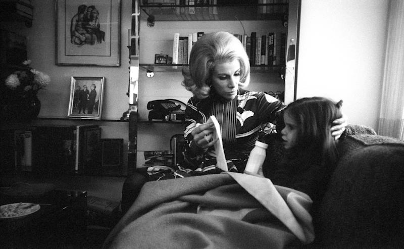 Joan Rivers with Melissa at home in November 1970. (I.C. Rapoport/Getty Images)