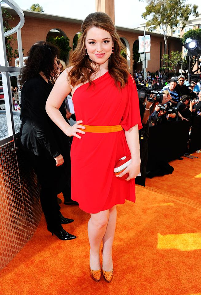 Jennifer Stone arrives at the 2012 Nickelodeon Kids' Choice Awards in Los Angeles, California.