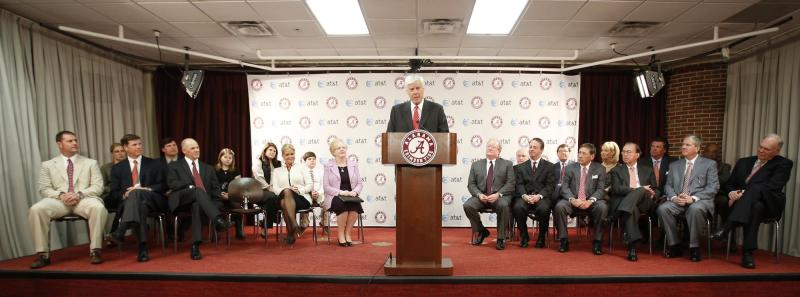 Bill Battle speaks during a news conference after being introduced as the new athletic director at the University of Alabama Friday March 22, 2013 in Tuscaloosa, Ala. (AP Photo/The Tuscaloosa News, Robert Sutton) MANDATORY CREDIT