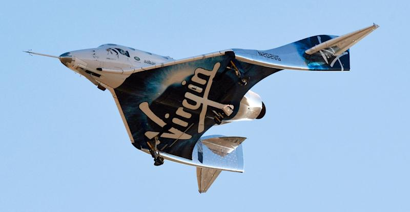 Virgin Galactic's space tourism rocket plane SpaceShipTwo returns after a test flight from Mojave Air and Space Port in Mojave, California, U.S. December 13, 2018. REUTERS/Gene Blevins