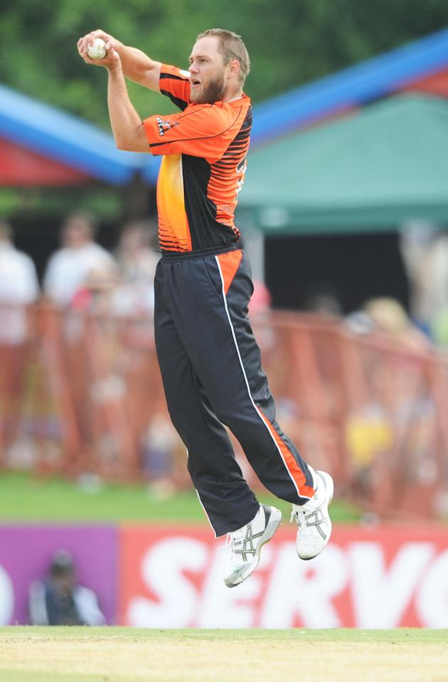 PRETORIA, SOUTH AFRCA - OCTOBER 13:  Nathan Rimmington of the Scorchers fields during the Karbonn Smart CLT20 match between Nashua Titans (South Africa) and Perth Scorchers (Australia) at SuperSport Park on October 13, 2012 in Pretoria, South Africa.  (Photo by Lee Warren/Gallo Images/Getty Images)