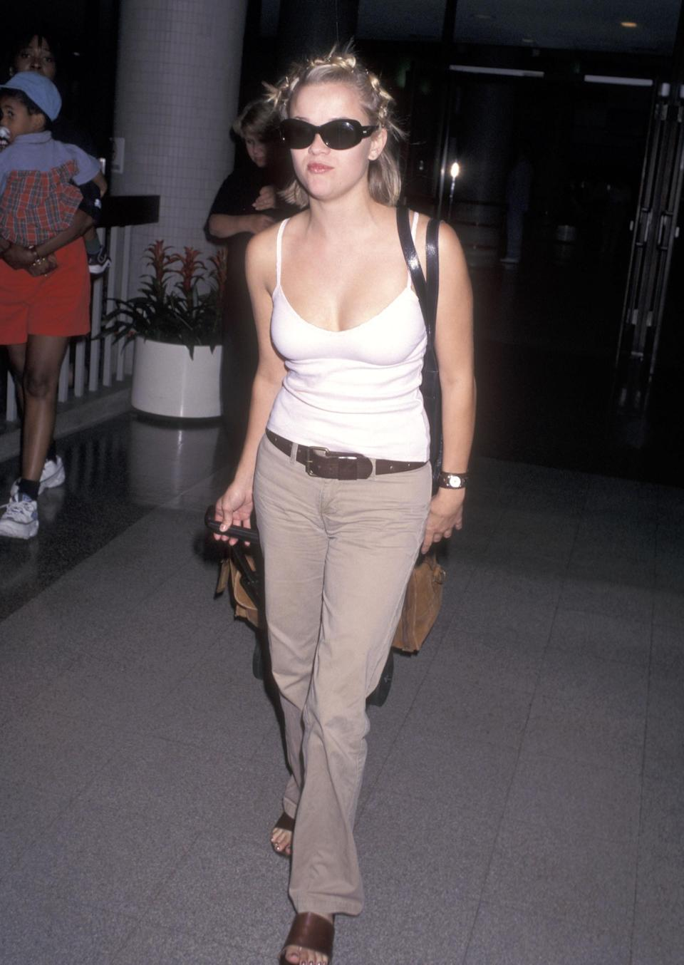 Photo of Reese Witherspoon at the airport