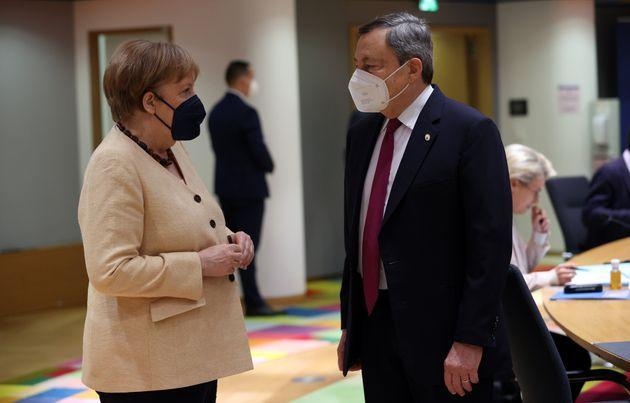 BRUSSELS, BELGIUM - JUNE 25: German Chancellor Angela Merkel (L) and Prime Minister of Italy Mario Draghi (R) attend the second day of European Union (EU) Leaders' Summit in Brussels, Belgium on June 25, 2021. (Photo by Dursun Aydemir/Anadolu Agency via Getty Images) (Photo: Anadolu Agency via Getty Images)