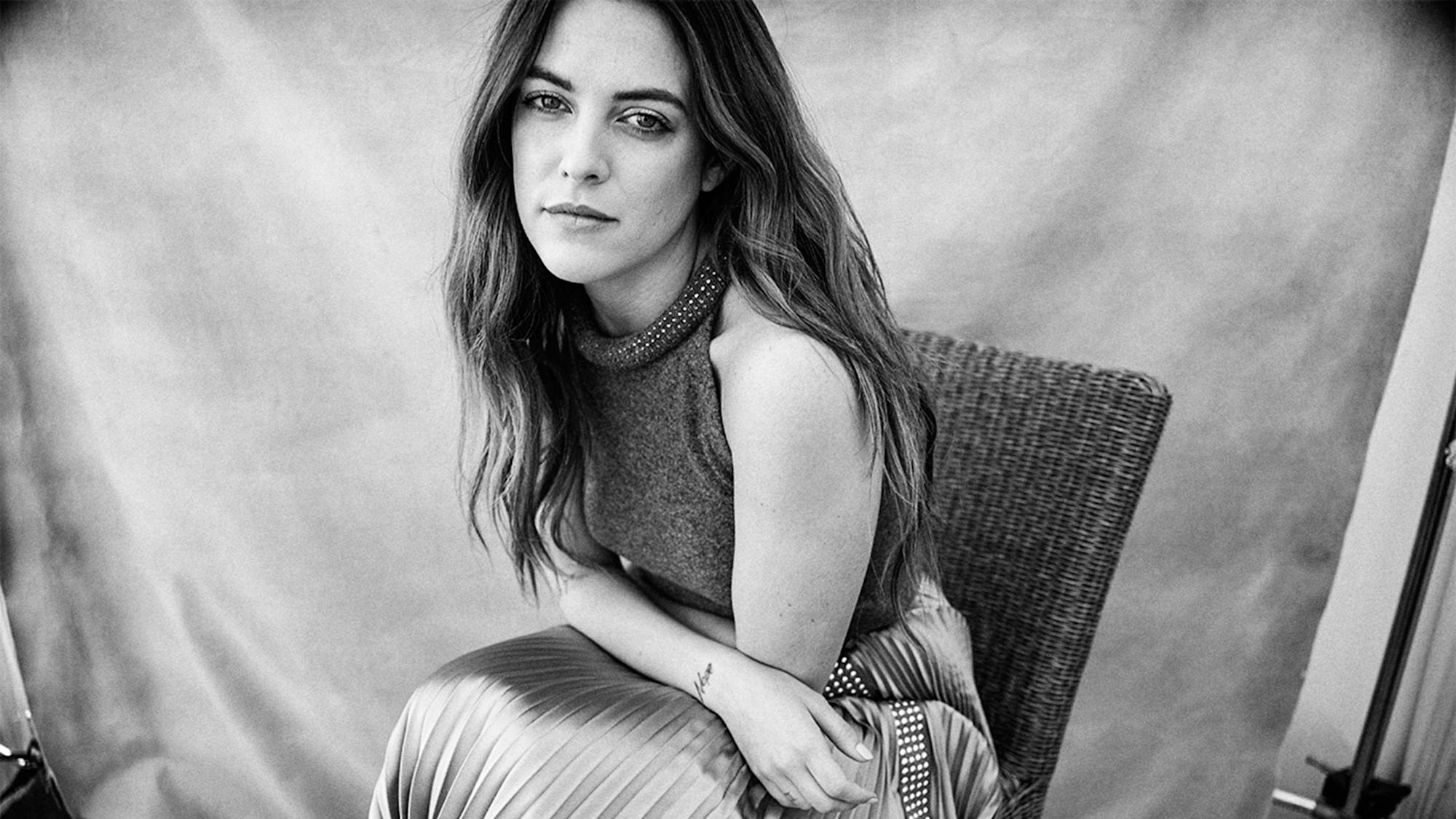 Riley Keough On Her Attraction To The Girlfriend