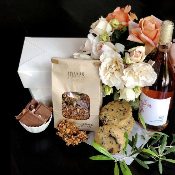 "Many restaurants are offering Mother's Day specials. Pictured is the Mother's Day package from Joan's on Third. <span class=""copyright"">(Joan's on Third)</span>"