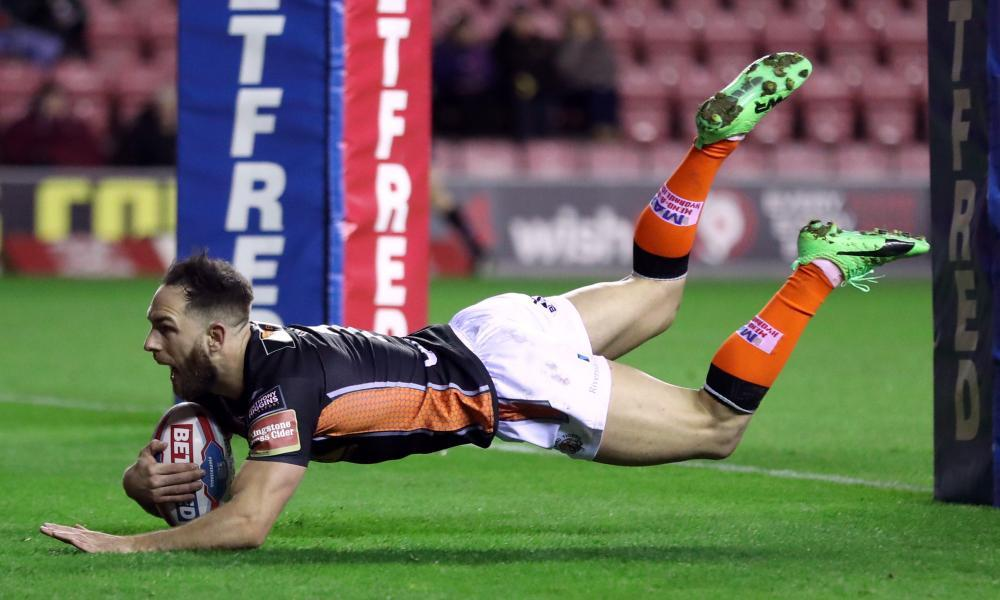 Castleford Tigers' Luke Gale goes over for a try in the victory over Wigan at the DW Stadium.