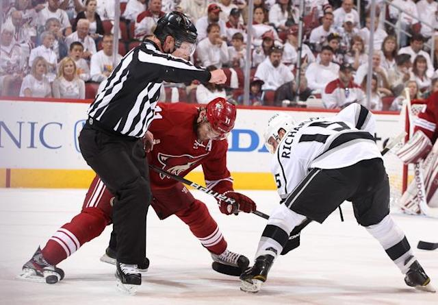 GLENDALE, AZ - MAY 15: Martin Hanzal #11 of the Phoenix Coyotes takes the face-off against Brad Richardson #15 of the Los Angeles Kings in the first period of Game Two of the Western Conference Final during the 2012 NHL Stanley Cup Playoffs at Jobing.com Arena on May 15, 2012 in Phoenix, Arizona. (Photo by Christian Petersen/Getty Images)