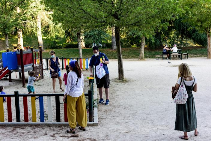 Spain playgrounds open