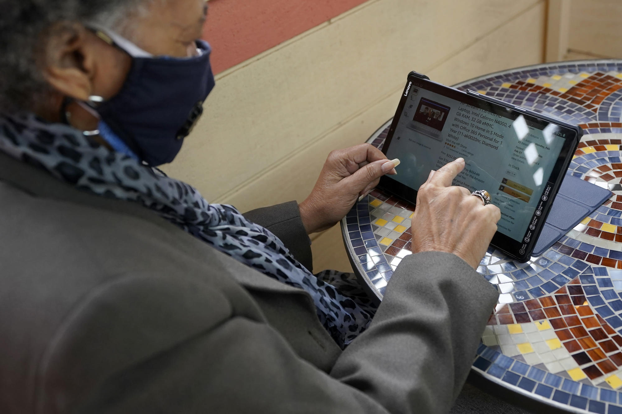 Shopping online eases isolation for older adults