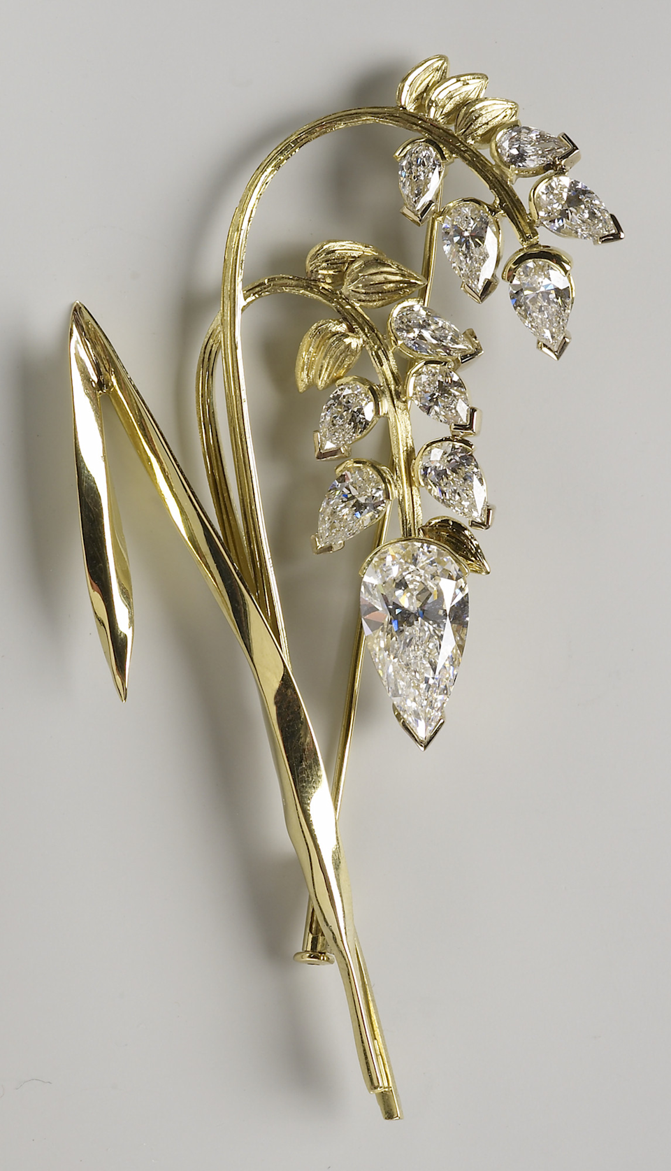 The President of Botswana presented the brooch to the Queen in 2007. Photo: Royal Collection Trust