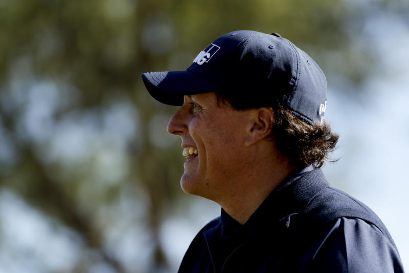 Phil Mickelson keeps hold of two-shot lead at Desert Classic
