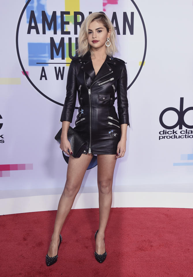<p>Un look da biker firmato da Coach per Selena Gomez.<br />(Photo by Jordan Strauss/Invision/AP) </p>