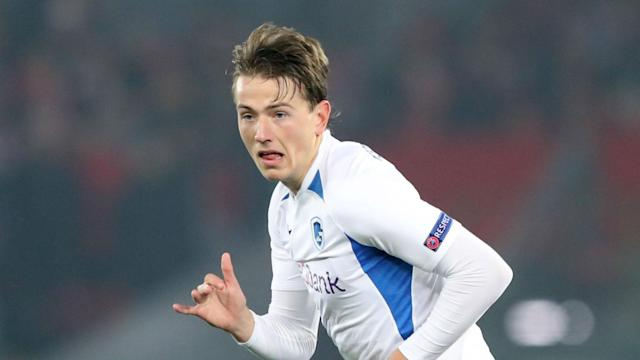 Sander Berge, who had been linked with Liverpool and Tottenham, has signed for Sheffield United from Genk in a club-record transfer.
