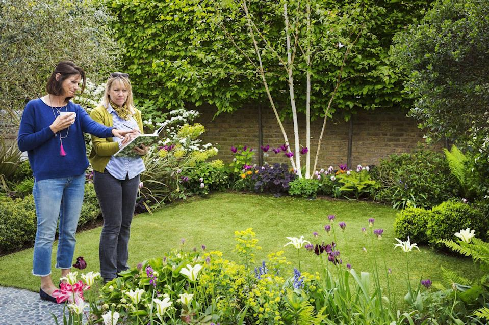 """<p><strong>Looking for some cheap garden ideas? It's easier than you think to give your <a href=""""https://www.housebeautiful.com/uk/garden/designs/a495/garden-design-ideas/"""" rel=""""nofollow noopener"""" target=""""_blank"""" data-ylk=""""slk:garden"""" class=""""link rapid-noclick-resp"""">garden</a> a budget-friendly makeover. We've listed some quick fixes to help you save cash whilst making your outdoor space look fantastic, which in turn will enable you to spend more time enjoying your outdoor sanctuary.</strong><strong><br></strong></p><p>Whether it's painting an old shelf, getting clever with how and what you plant, or repurposing old items, take a look at how you can save money without scrimping on style. <br></p><p>So, are you ready to give your garden a new lease of life? Try these easy garden ideas on a budget, perfect for patio areas or gardens of any size...<br></p>"""