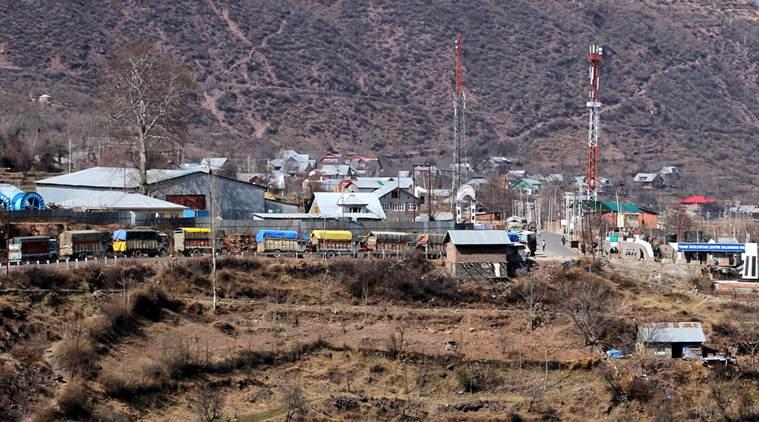 With trucks stuck at LoC crossing, Valley traders despair: Shelf life of goods too low