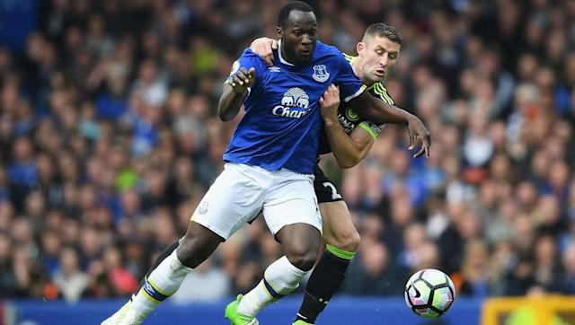 <p>In the modern game strikers often need to be versatile and adjust to playing in different tactical systems. Lukaku's strength, size, aerial threat, speed and technical ability make him adaptable to any team's formation needs.</p> <br><p>His style of play means he can operate as a target man with his back to goal linking up with his teammates or play on the shoulder of the last defender to get in behind the defence.</p>