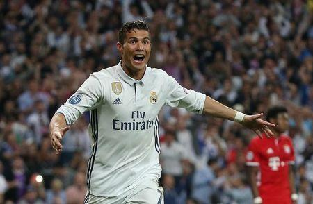 Cristiano Ronaldo comemora gol do Real Madrid 18/4/17 Reuters / Sergio Perez