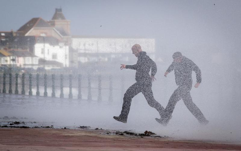 Yellow weather warning for wind issued for North West
