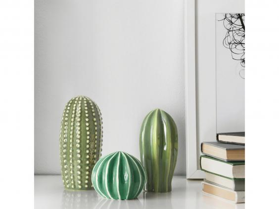 If you don't want to commit to plants, real or faux, in your home, try this ceramic set instead (Ikea)