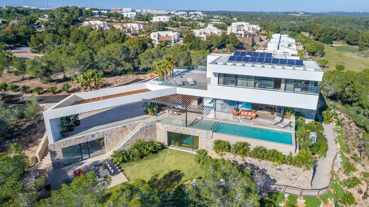 "<p>Everyone can dream, right? This jaw-dropping new build home in Spain has four bedrooms, four bathrooms, a pool, jacuzzi, sauna, cinema room and unparalleled views that will take your breath away. </p><p><a href=""https://www.chersun.com/propertysearch/property-search/property/36571_4674843/4-bedroom-villa-for-sale-detached-executive-villa-ref-lc141-las-colinas-golf-alicante-spain/place-las%20colinas%20golf%20resort/radius-1/soldandsaleagreed-includesaleagreed/pagenumber-4/propertyindex-38"" target=""_blank"">This property is currently on the market via Chersun Properties for £2.98 million</a>.  </p>"