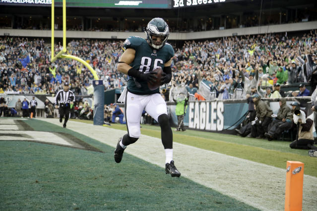 Zach Ertz was in a giving mood after scoring a touchdown in Philly's blowout victory against San Francisco. (AP)