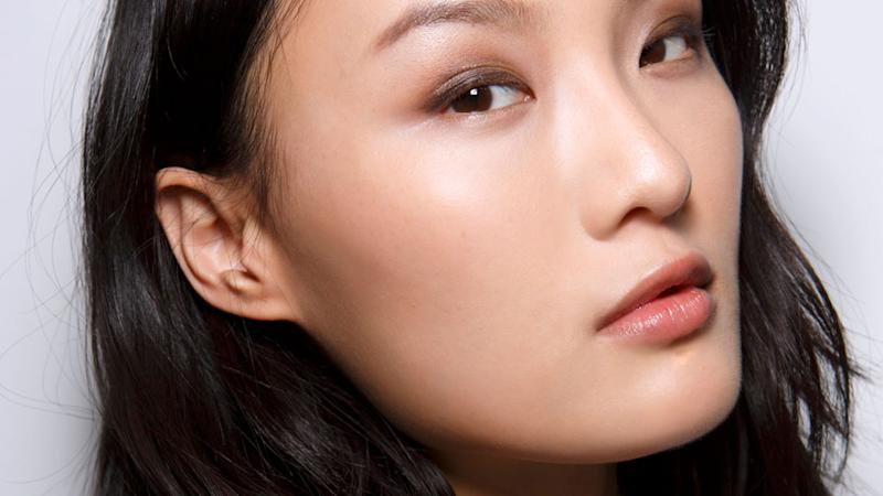 How to Painlessly Remove Blackheads Without a Facial or Trip to The Derm