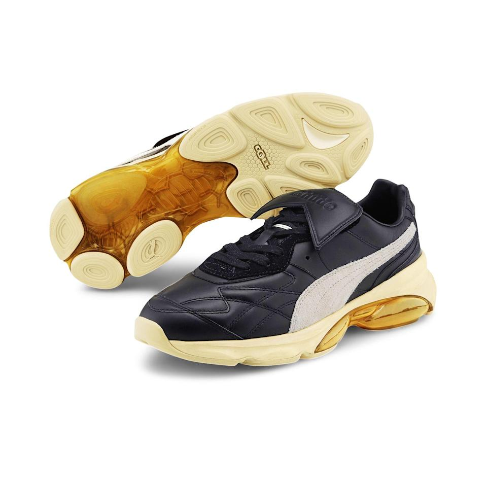 "<p><strong>puma</strong></p><p>puma.com</p><p><strong>$150.00</strong></p><p><a href=""https://go.redirectingat.com?id=74968X1596630&url=https%3A%2F%2Fus.puma.com%2Fen%2Fus%2Fpd%2Fpuma-x-rhude-cell-king-mens-sneakers%2F371389.html&sref=https%3A%2F%2Fwww.menshealth.com%2Fstyle%2Fg34452213%2Fretro-sneakers-for-men%2F"" rel=""nofollow noopener"" target=""_blank"" data-ylk=""slk:Shop Now"" class=""link rapid-noclick-resp"">Shop Now</a></p><p>West Coast minimalist brand Rhude has taken Puma's sleek shoe with its familiar white formstrip, which originated in the late '50s, and reinterpreted it for the better. These vintage-looking kicks have additional soft cushioning and Puma's patented Cell-tech for more stability</p>"