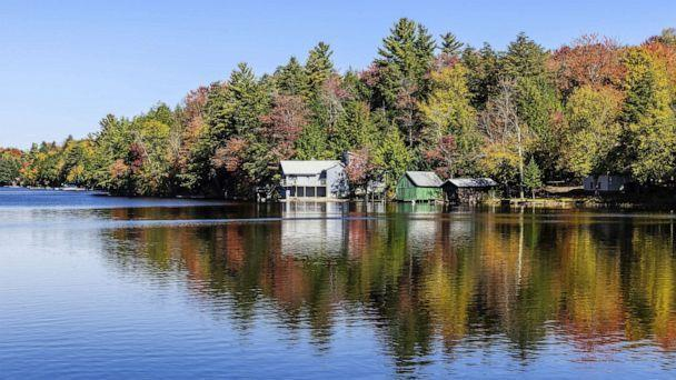 PHOTO: A lake house on Long Lake in upstate New York, Oct. 12, 2016. (Universal Images via Getty Images, FILE)