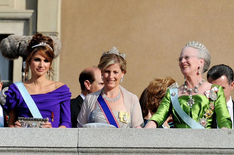 STOCKHOLM, SWEDEN - JUNE 19: Queen Rania of Jordan, Princess Sophie Duchess of Wessex and Queen Margarethe II of Denmark appear on the Lejonbacken Terrace after their wedding ceremony on June 19, 2010 in Stockholm, Sweden.  (Photo by Pascal Le Segretain/Getty Images)