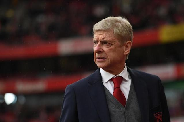 David Moyes expects Arsenal crowd to back Arsene Wenger as West Ham visit Emirates Stadium