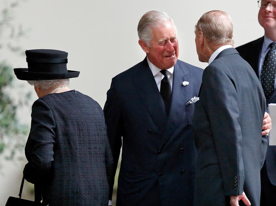 LONDON, UNITED KINGDOM - JUNE 27: (EMBARGOED FOR PUBLICATION IN UK NEWSPAPERS UNTIL 48 HOURS AFTER CREATE DATE AND TIME) Queen Elizabeth II, Prince Charles, Prince of Wales and Prince Philip, Duke of Edinburgh attend the funeral of Patricia Knatchbull, Countess Mountbatten of Burma at St Paul's Church Knightsbridge on June 27, 2017 in London, England. Patricia, Countess Mountbatten of Burma daughter of Louis Mountbatten, 1st Earl Mountbatten of Burma and third cousin of Queen Elizabeth II died aged 93 on June 13 2017. (Photo by Max Mumby/Indigo/Getty Images)