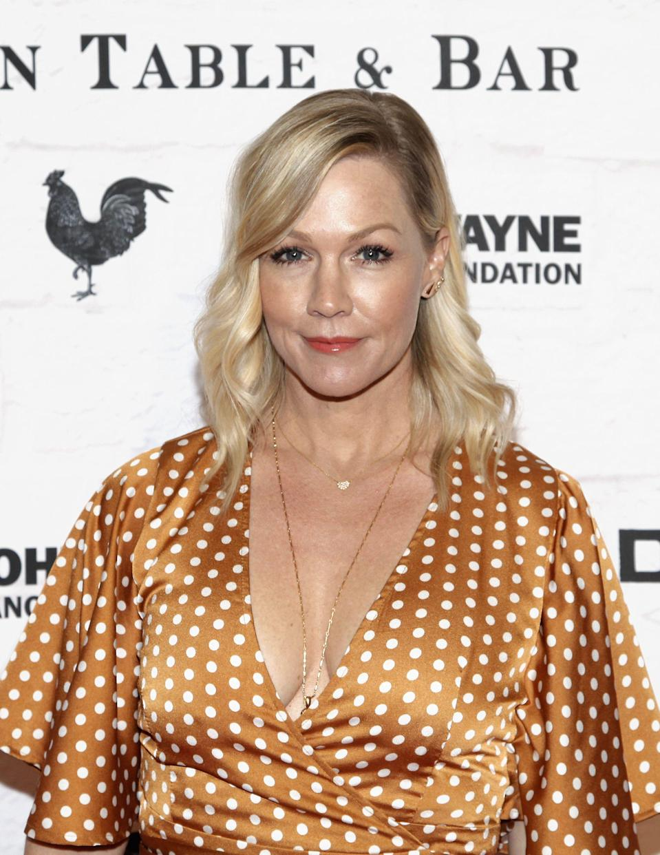 Jennie Garth attends Yardbird's Southern Table & Bar Los Angeles grand opening on April 5, 2018 in Los Angeles, California.