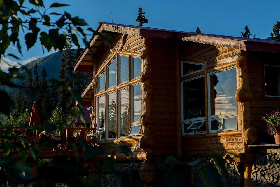 Exterior of Ultima Thule Lodge